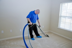 shutterstock_81699364- Cleaning-Carpet2